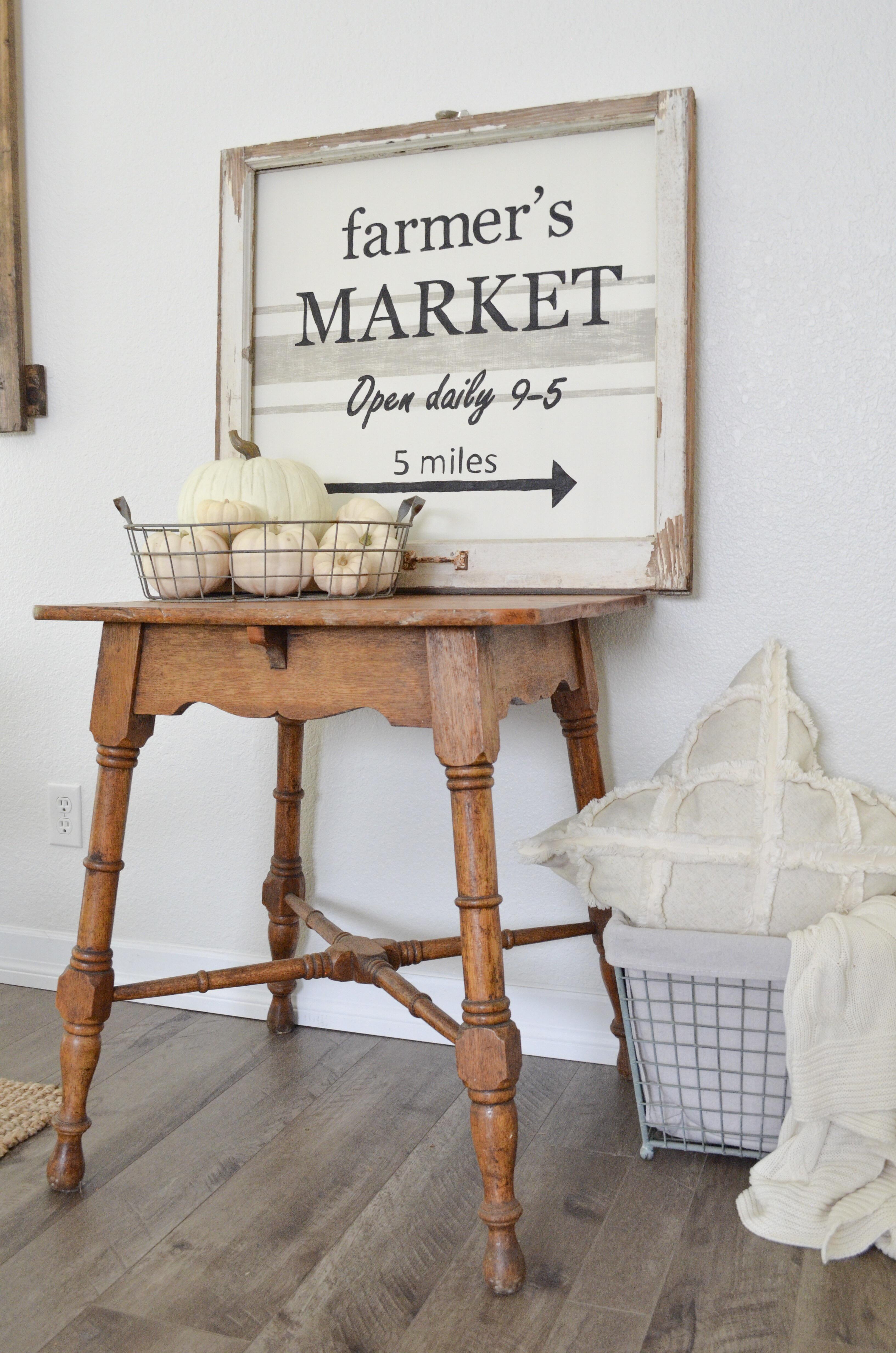 Farmhouse Style DIY Farmer's Market Sign With Chippy Vintage Frame